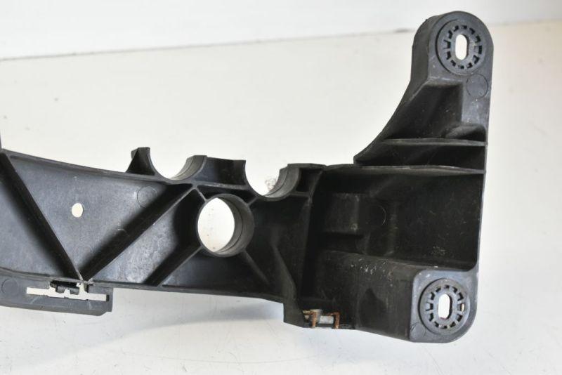 Scheinwerferhalter rechtsBMW 1 (E87) 116I