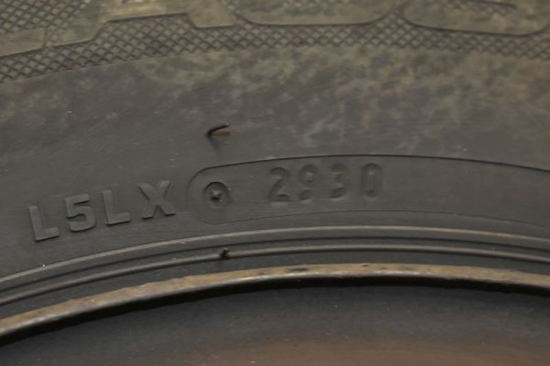 Komplettrad:185/65R15 88T Auf Stahlfelge 6JX15 H2 ET50 LK4X100