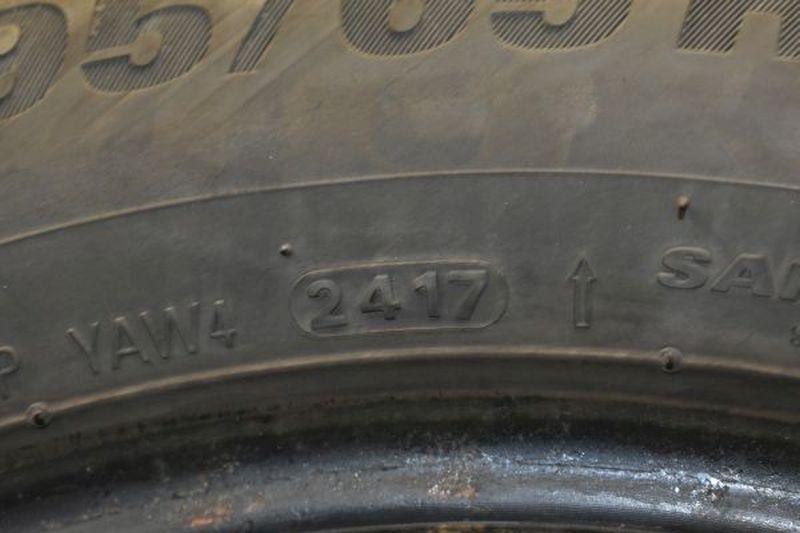 Winterreifen195/65R15 91T1Satz(je4Stück)